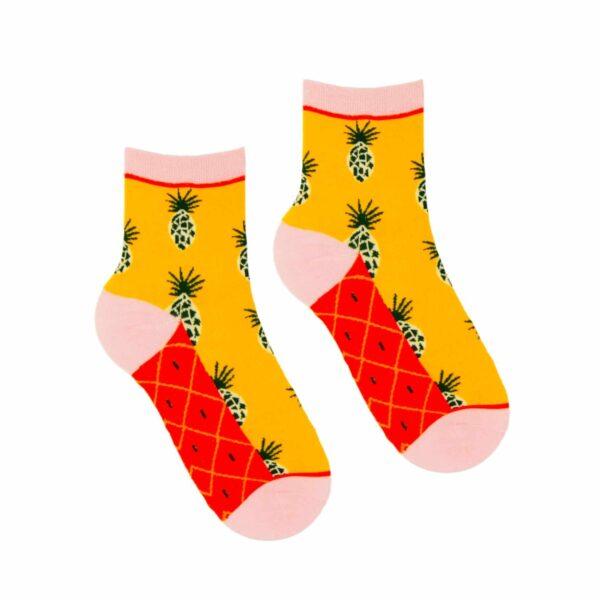 Kolorowe skarpetki damskie w ananasy